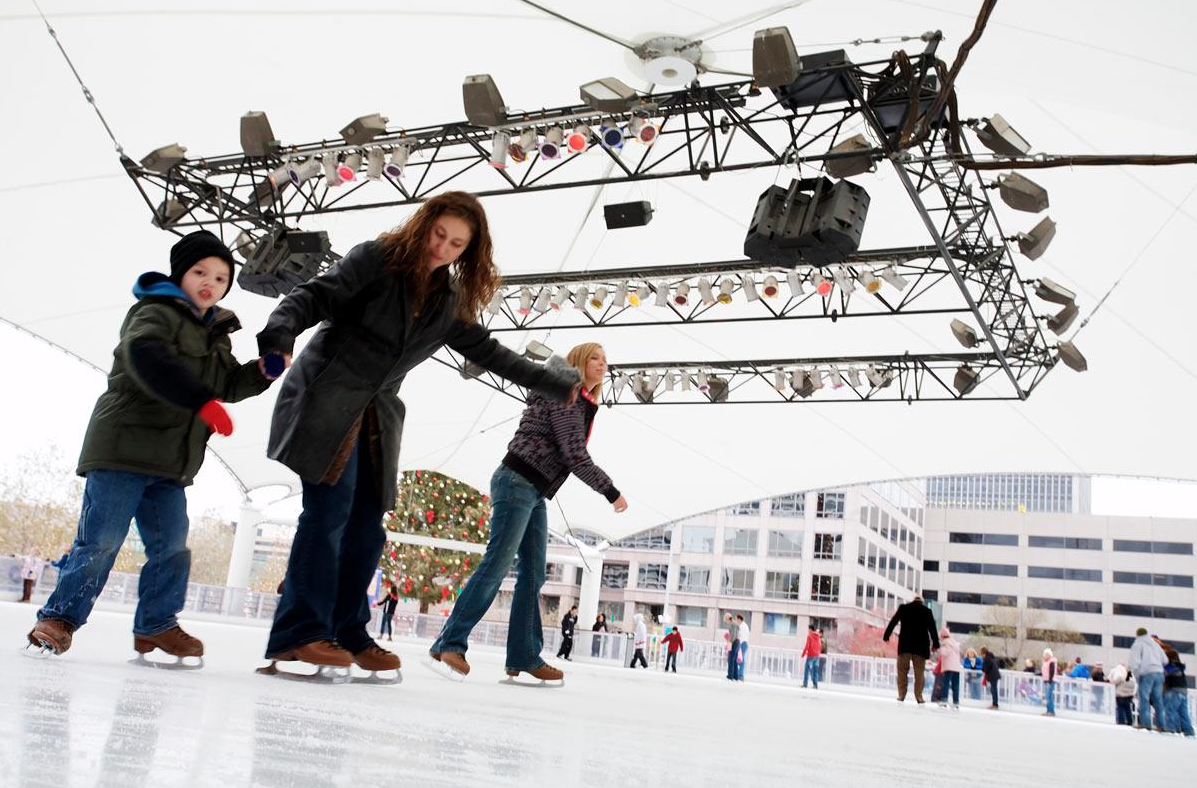 he Crown Center Ice Rink is perfect for ice skating with family or friends visiting during the holiday season.